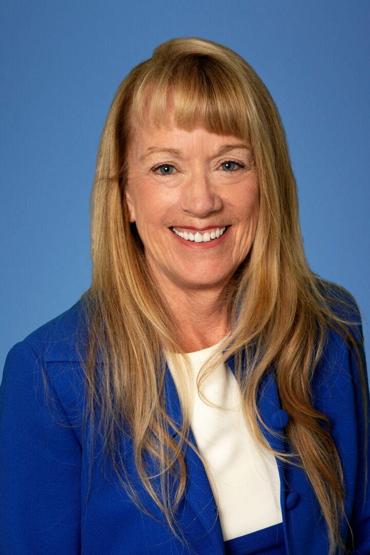 Jennifer Dovey, Managing Broker in Federal Way, Windermere