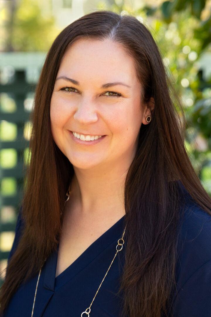 Mary Pettyjohn,  in Palo Alto, Sereno