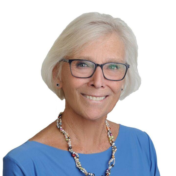 Lisa C Schneider, Realtor® in La Quinta, HK Lane Palm Desert