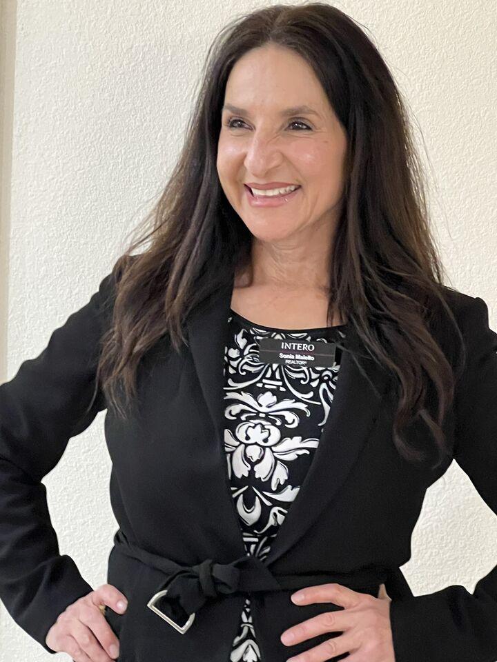 Sonia Maiello,  in Los Altos, Intero Real Estate