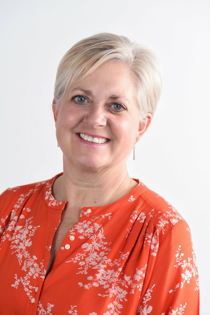 Shelley Barnett, Sales Representative in Winnipeg, CENTURY 21 Canada