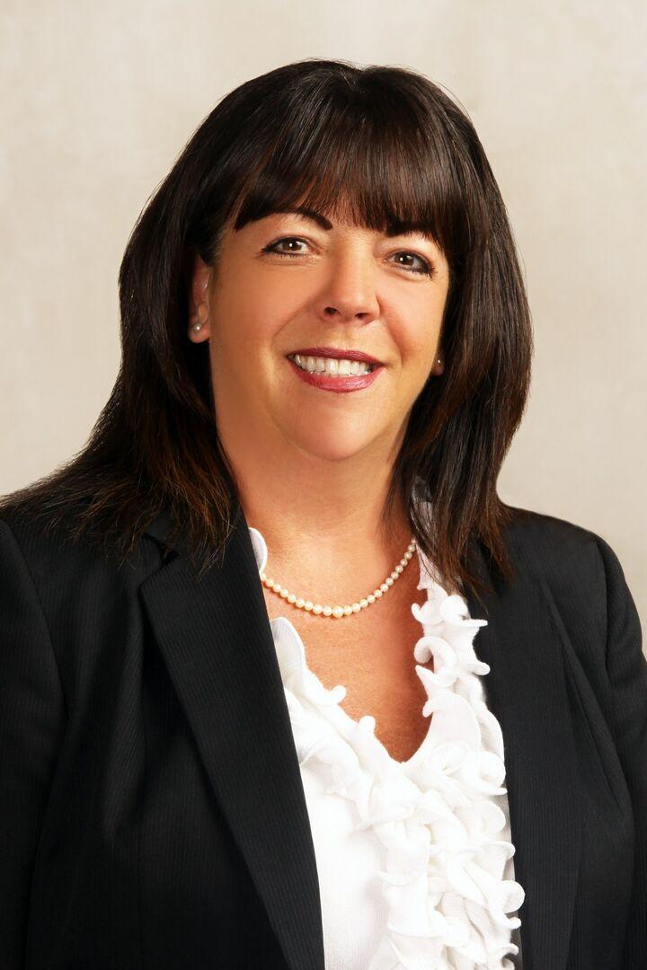 Lori Perron, Sales Associate in Narragansett, Mott & Chace Sotheby's International Realty